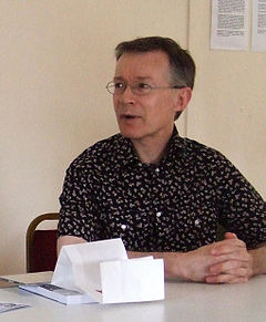 Paul Gravett - Wikipedia, the free encyclopedia