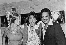 [Image: 220px-Paul_and_Linda_McCartney_Wings_Ove...a_1976.jpg]