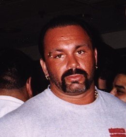 Perry Saturn (crop).jpg