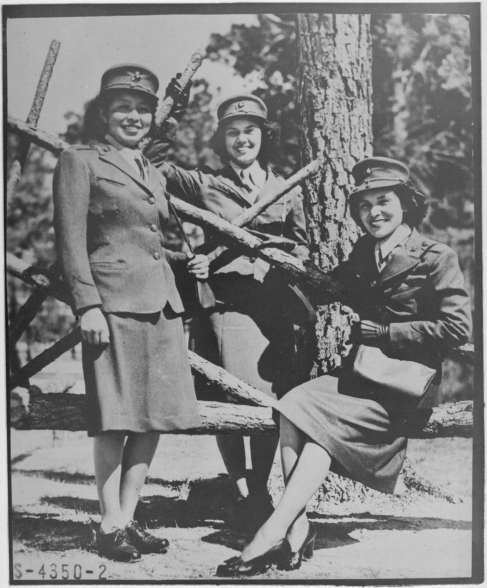 Photograph of Three Marine Corps Women Reservists, Camp Lejeune, North Carolina, 10-16-1943 - NARA - 535876