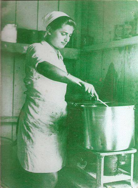 שרה לויצקי טבחית ברמת הדסה
