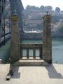 Pilares da Ponte Pensil (Porto).PNG