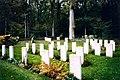 Ploegsteert Commonwealth War Graves Commission Cemetery 2 Redvers.jpg