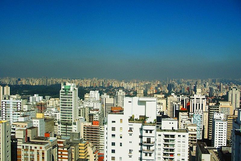 File:Pollution over São Paulo (Jardins).jpg