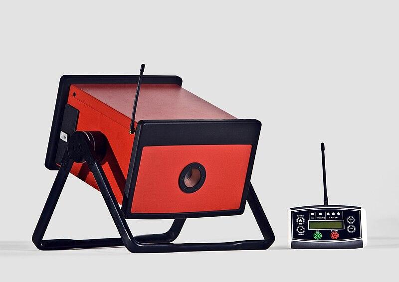 File:Portable Xray generator.jpg