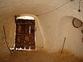 Porte intérieur d'une Pièce creusée dans la montagne.jpg