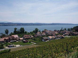 Bas-Vully - Praz village