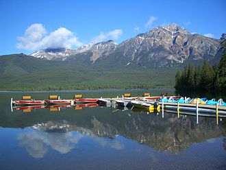 Resort - Kayaking provided by a lakeside resort in Jasper, Alberta