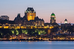 Québec city at night, view from Lévis city.jpg