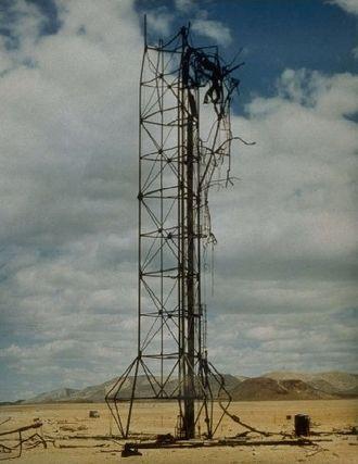 Operation Upshot–Knothole - Image: RUTH test tower 1953 03 31