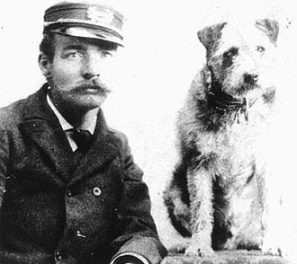 Owney (dog) - Owney with unidentified Albany letter carrier, c.1895