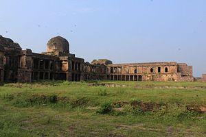Raisen - Image: Rani Mahal Raisen Fort (7)