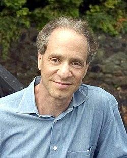 מתוך דף הויקיפדיה שלו