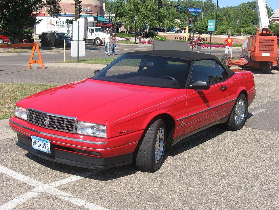 Red closed Cadillac Allante fl