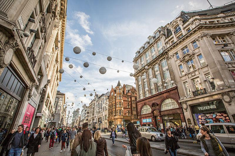 File:Regent Street & Oxford Street, London (12297634063).jpg