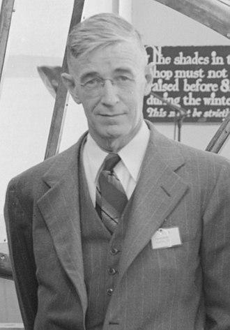 Robert Gordon Sproul - Image: Robert Sproul 1943 NARA 22118090 (cropped)