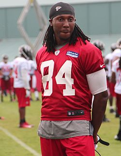 Roddy White 2013.jpg