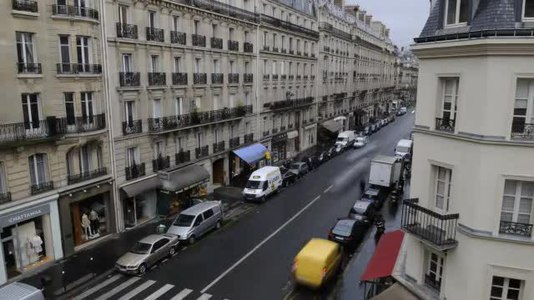 File:Rue de Courcelles, Paris April 2009.ogv