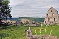 Ruine Hohen Urach; oberer Burghof; Brunnen; Fundament und Ostfassade des Pallas (7575152026).jpg