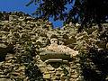 Ruinenvilla - Relief an der Südseite.jpg
