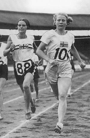 Ruth Svedberg - Ruth Svedberg (right)