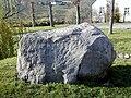 Sabile, Latvijas 80-gades piemiņas akmens 2000-10-28 - panoramio.jpg