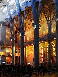 Sagrada Familia March 2015-18a.jpg