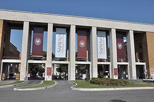 Sapienza entrance (20040201351)