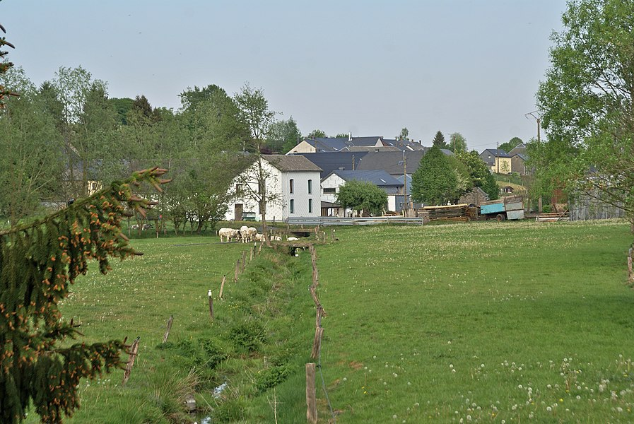 Vaux-sur-Sûre,  Belgium: The river Sauer