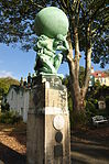 Sculpture in Portmeirion (7787).jpg