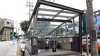 Seoul-metro-545-Achasan-station-entrance-3-20180914-110946.jpg
