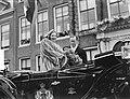 Serie Bezoek van koningin Juliana en prins Bernhard aan Friesland. Het Koninkli, Bestanddeelnr 904-2110.jpg