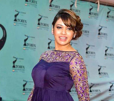 Picture of a band or musician: Shalmali Kholgade