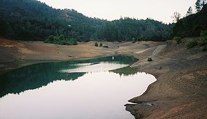 Low levels of water in Lake Shasta within the ...