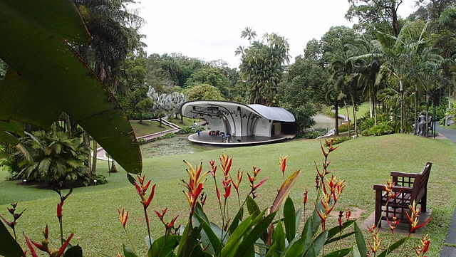 File shaw foundation symphony stage symphony lake for Au jardin singapore botanic gardens