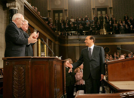 Berlusconi addressing a joint session of the U.S. Congress in 2006 Silvio Berlusconi to a joint session of Congress.jpg