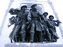 [Canada] - Le National War Mémorial Ottawa  250px-Soldiers_at_base_of_Ottawa_War_Memorial_highlighted