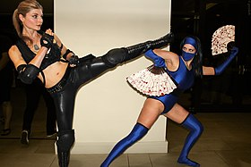 Cosplay de Sonya vs Kitana.