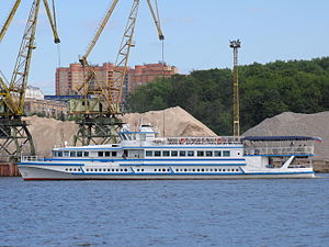 Soyuz OM type on Khimki Reservoir 20-jun-2012 02.JPG