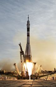Soyuz TMA-5 launch