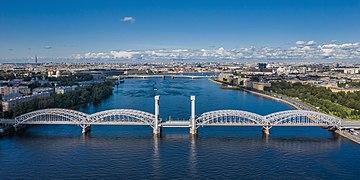 https://upload.wikimedia.org/wikipedia/commons/thumb/f/f4/Spb_Finland_Bridge_asv2019-09_img2.jpg/360px-Spb_Finland_Bridge_asv2019-09_img2.jpg