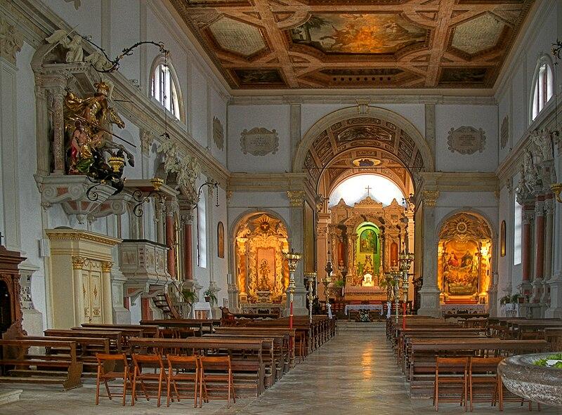 Datei:St. Georg, Piran, Innenraum (HDR).jpg