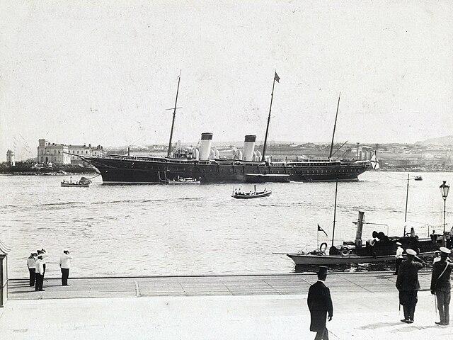 https://upload.wikimedia.org/wikipedia/commons/thumb/f/f4/Standart_in_Sevastopol_1909.jpg/640px-Standart_in_Sevastopol_1909.jpg