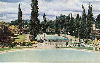 Sunnybank, Queensland - Oasis gardens and pools