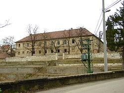 Statenice, budova zámku.JPG
