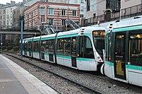 Station Tramway Ligne 2 Parc St Cloud 11.jpg