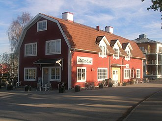 Saltsjöbaden - Image: Stationshuset Saltsjöbaden 2005 10 29