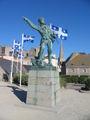 Statue Surcouf Caravaniez Saint-Malo France.jpg