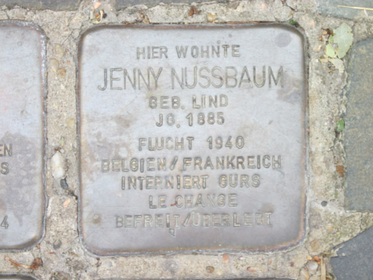 Stolperstein Jenny Nussbaum, 1, Burgstraße 40, Bitterfeld, Bitterfeld-Wolfen, Landkreis Anhalt-Bitterfeld.jpg