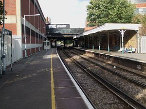 Streatham railway station - Image: Streatham station look north
